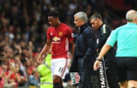 TIET LO: Martial ghi ban, Man Utd mat tien tan - Anh 3
