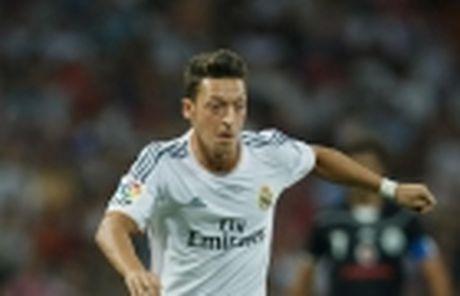Nong! Mesut Oezil thua nhan co the tro lai Real - Anh 4