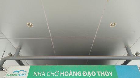 Anh can canh cac hang muc nha cho xe buyt nhanh Ha Noi - Anh 8