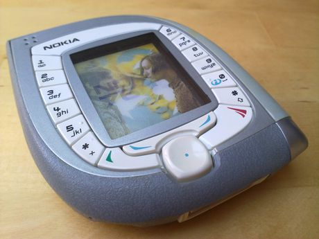 13 mau dien thoai Nokia co doc dao nhat tu truoc den nay - Anh 1