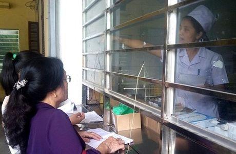 Thanh Hoa: Bao hiem xa hoi kiem tra dot xuat benh vien luc nua dem - Anh 2