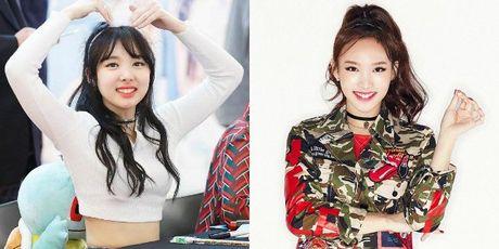 Nhung guong mat V-line an tuong cua idol Kpop - Anh 15