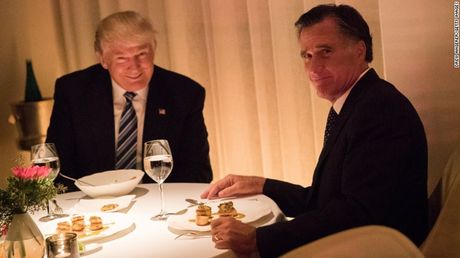 Donald Trump va Mitt Romney: Khi 'duyen phan' da danh cho nhau - Anh 1