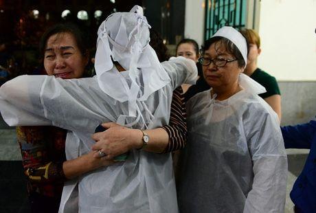 Roi nuoc mat voi nhung hinh anh xuc dong trong le tang NSUT Quang Ly - Anh 5