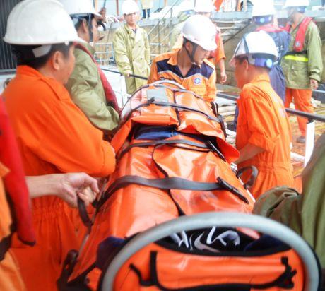 Cuu thuy thu Trung Quoc gap nan tren vung bien Quang Ngai - Anh 1