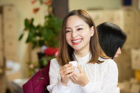 Lan Phuong dien Kimono vo gia mot lan mac ton 4 ty dong - Anh 11