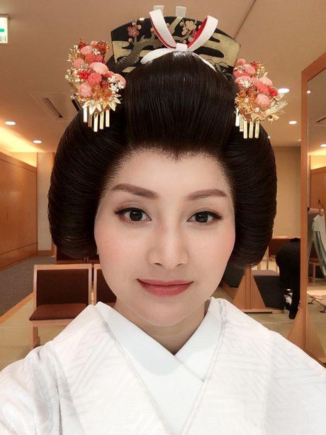 Lan Phuong dien Kimono vo gia mot lan mac ton 4 ty dong - Anh 6