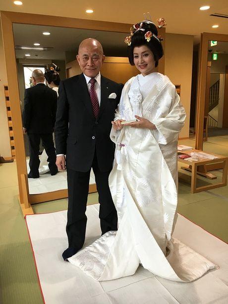 Lan Phuong dien Kimono vo gia mot lan mac ton 4 ty dong - Anh 8