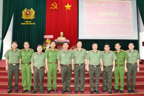Hoi nghi giao ban Trung tam huan luyen va boi duong nghiep vu trong CAND - Anh 2