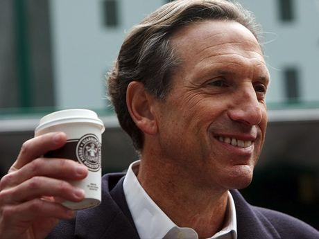 Howard Schultz thoi giu chuc CEO cua Starbucks vao nam 2017 - Anh 1