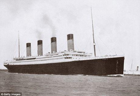 Trung Quoc dong tau Titanic 'nhai' de hut khach du lich - Anh 2