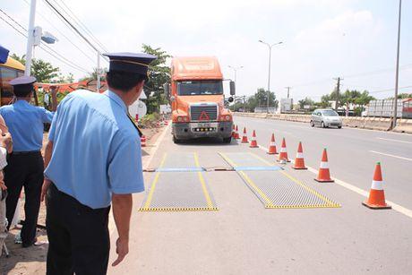 Thanh tra So GTVT tinh Dong Nai: Xu ly triet de xe qua tai, ben khong phep - Anh 1