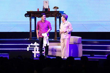 Truong Giang keo 4000 khan gia toi liveshow, bat chap mua bao - Anh 9