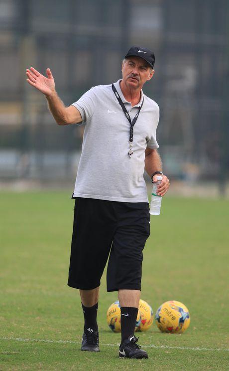 AFF Cup 2016: HLV Alfred Riedl 'nam' duoc diem yeu' cua tuyen Viet Nam va Cong Vinh - Anh 4