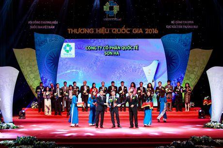 Son Ha vinh du nhan bieu trung Thuong hieu Quoc gia 2016 - Anh 1