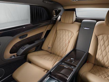 Bentley Mulsanne EWB duoc vinh danh 'chiec xe dang cap nhat' - Anh 3