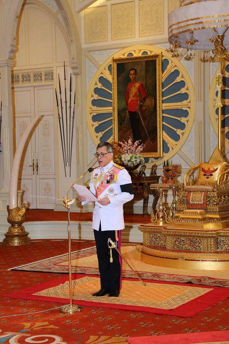 Nhieu quoc gia gui loi chuc mung Tan vuong Thai Lan - Anh 3
