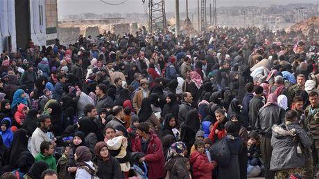 Syria: Aleppo nguy cap, Nga de xuat lap 4 hanh lang nhan dao - Anh 1