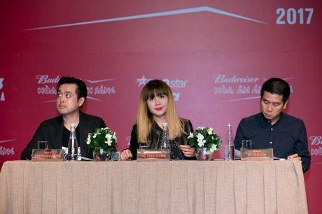 Lo dien dan thi sinh 'khung' The Remix – Hoa am anh sang mua 3 - Anh 1