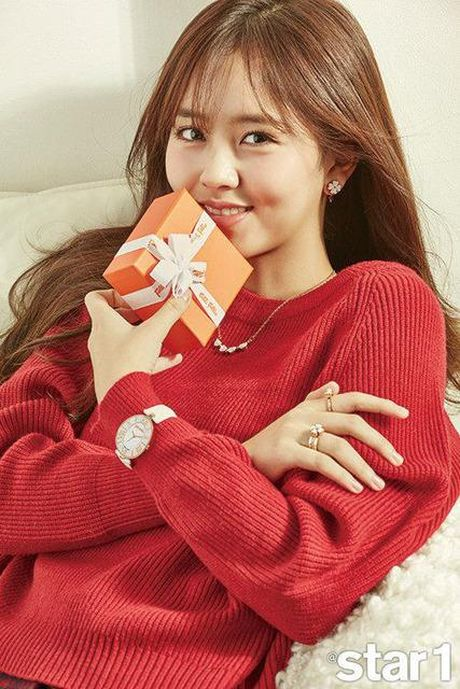 My nhan 17 tuoi xu Han dep khong kem dan chi Park Shin Hye - Anh 2