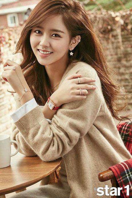 My nhan 17 tuoi xu Han dep khong kem dan chi Park Shin Hye - Anh 3