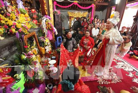 Tin nguong tho Mau Tam phu duoc UNESCO cong nhan la Di san van hoa phi vat the - Anh 2