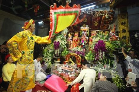 Tin nguong tho Mau Tam phu duoc UNESCO cong nhan la Di san van hoa phi vat the - Anh 7