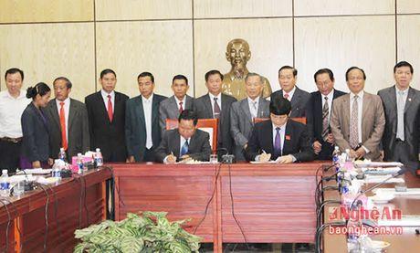 Khong ngung to tham tinh huu nghi dac biet Viet-Lao - Anh 1
