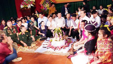 Khong ngung to tham tinh huu nghi dac biet Viet-Lao - Anh 2