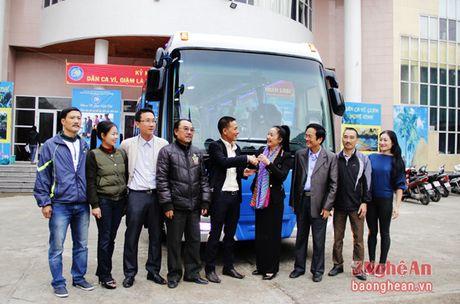 Cong ty Truong Hai tang oto cho Trung tam Bao ton va phat huy di san xu Nghe - Anh 1