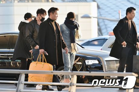 Suzy sang chanh len duong du MAMA, G-Dragon va TOP trum kin mit di Nhat - Anh 4
