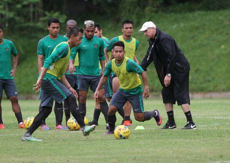 'Messi Indonesia' quyet tam ghi ban de danh tang nguoi ba qua co - Anh 2