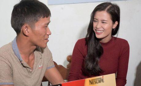 Dong Nhi ban ron trao nha o Binh Dinh cung khong quen dong vien Noo Phuoc Thinh - Anh 3