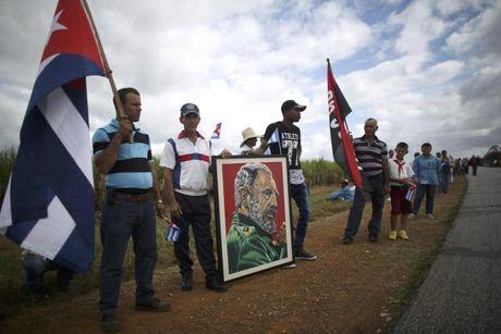 Di cot Chu tich Fidel tiep tuc hanh trinh doc dong Cuba - Anh 3