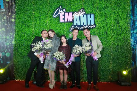 Jun Vu - Dinh Hieu khong dam dien lai canh hon tren san khau - Anh 10