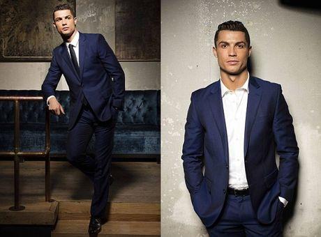 Ronaldo chay da cho sieu kinh dien bang huong nuoc hoa moi - Anh 5