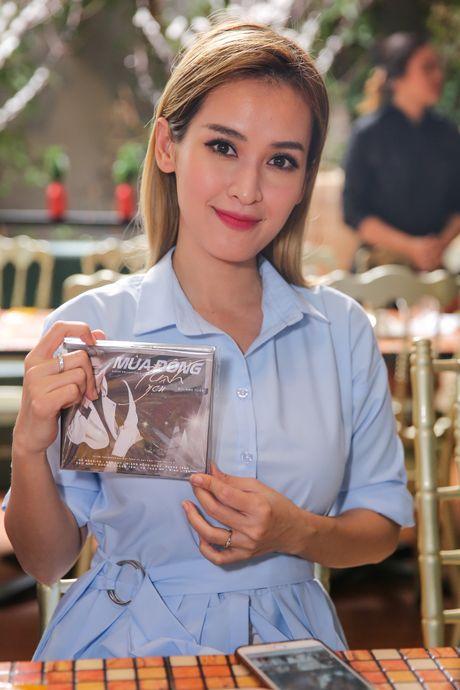 Ho Ngoc Ha deo kinh che met moi den du hop bao Bui Anh Tuan - Anh 10