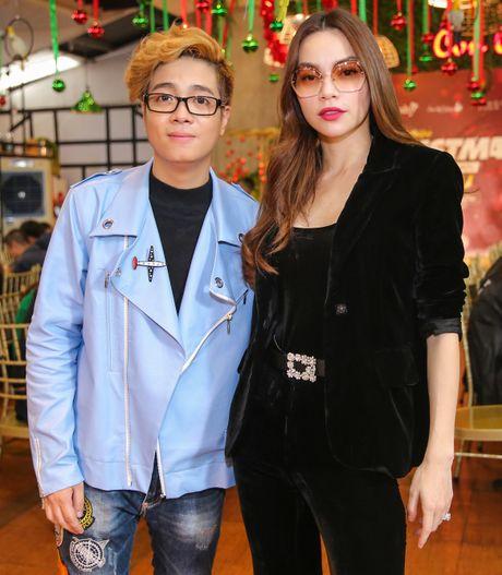 Ho Ngoc Ha deo kinh che met moi den du hop bao Bui Anh Tuan - Anh 4