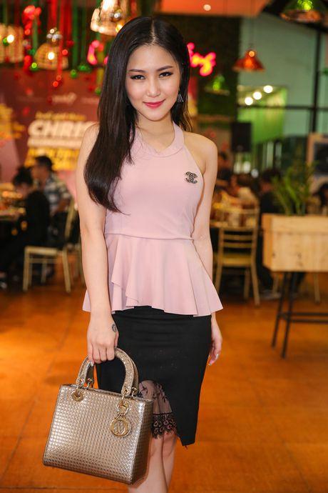 Ho Ngoc Ha deo kinh che met moi den du hop bao Bui Anh Tuan - Anh 6