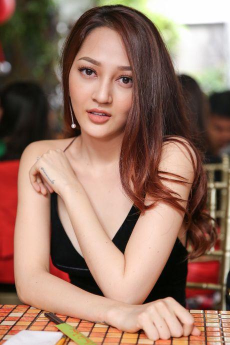 Ho Ngoc Ha deo kinh che met moi den du hop bao Bui Anh Tuan - Anh 9