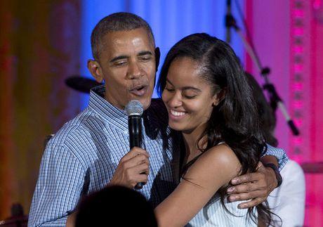 Con gai Obama thay doi the nao sau 8 nam o Nha Trang? - Anh 11