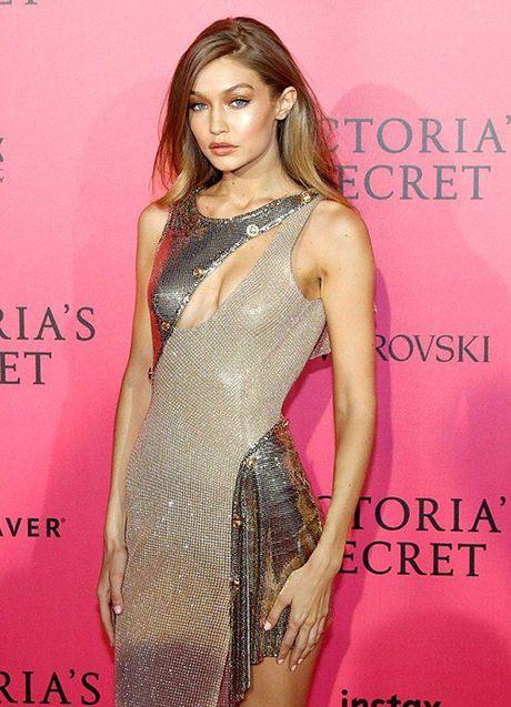 Man khoe noi y phan cam trong buoi tiec hau Victoria's Secret - Anh 3