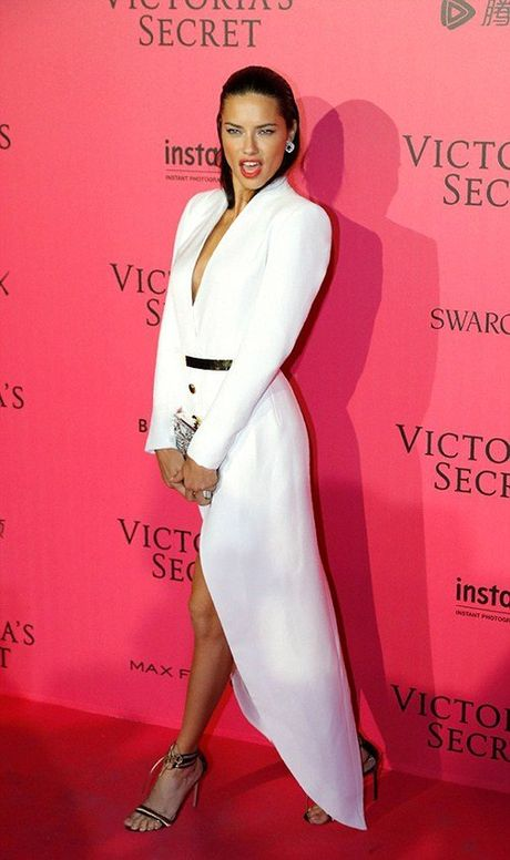 Man khoe noi y phan cam trong buoi tiec hau Victoria's Secret - Anh 6