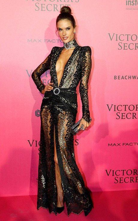 Man khoe noi y phan cam trong buoi tiec hau Victoria's Secret - Anh 7