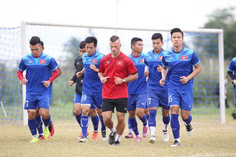 Viet Nam vs Indonesia: Huu Thang chuan bi dau Riedl nhu the nao? - Anh 1