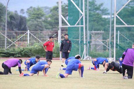 Viet Nam vs Indonesia: Huu Thang chuan bi dau Riedl nhu the nao? - Anh 4
