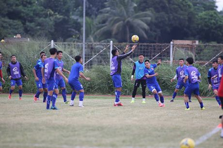 Viet Nam vs Indonesia: Huu Thang chuan bi dau Riedl nhu the nao? - Anh 5