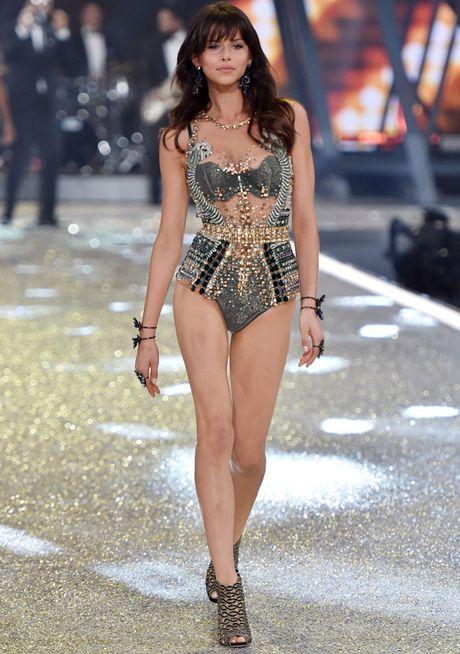 Nhung man trinh dien 'thang hoa' trong Victoria's Secret Fashion Show 2016 - Anh 50