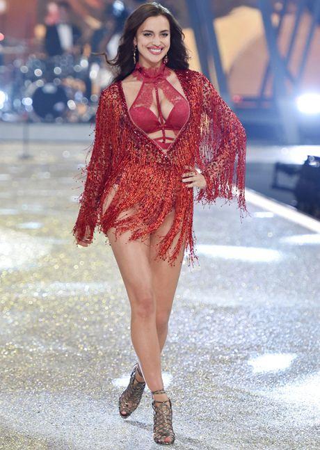 Nhung man trinh dien 'thang hoa' trong Victoria's Secret Fashion Show 2016 - Anh 57