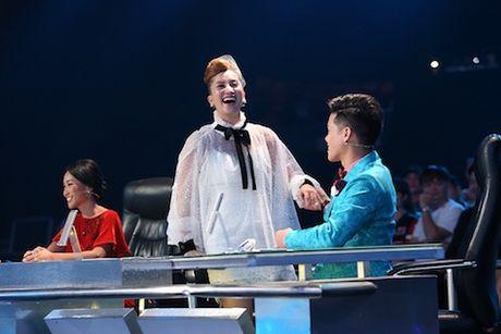 John Huy duoc moi lam 'bien dao' cho dam cuoi cua Khanh Thi - Phan Hien - Anh 1
